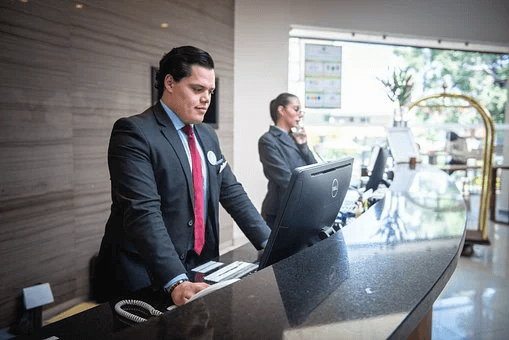 Get Help with Managing Your Lodging Clients with These Tech Solutions